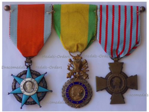 France WW2 Set of 3 Medals (Order of Social Merit Knight's Star, Valor & Discipline Medal & Combatants Cross)